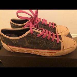 Louis Vuitton low top sneakers in classic monogram